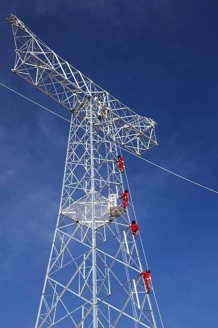 输电线路1000kv及铁塔